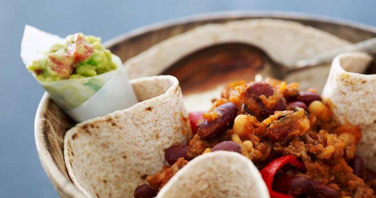 Chili con carne med fuldkorns-tortillas