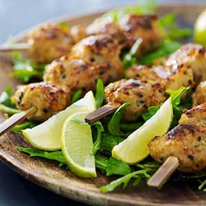 Kyllingekødboller sticks spyd hjemmelavet opskrift