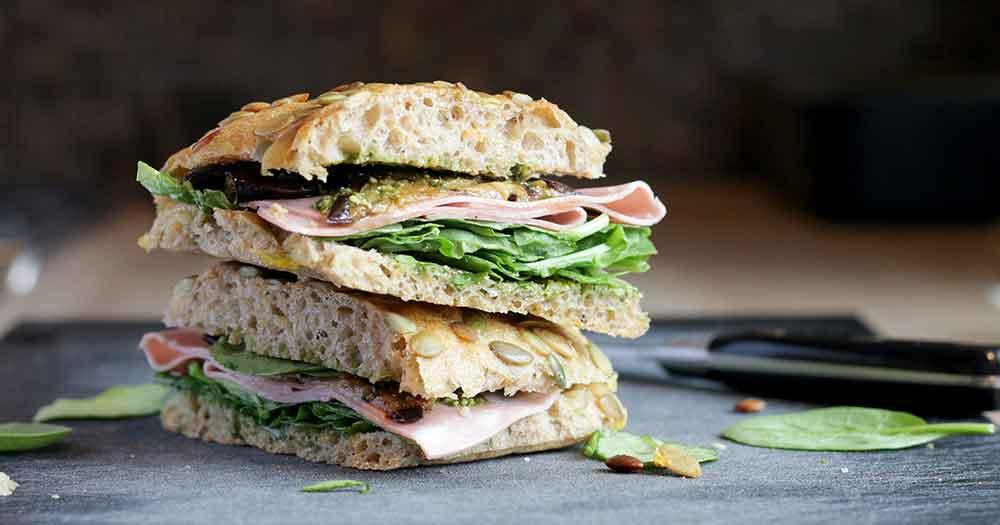 sunde grove koldhævede surdej sandwich madpakke frokostboller opskrift
