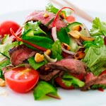 thai beef salad opskrift