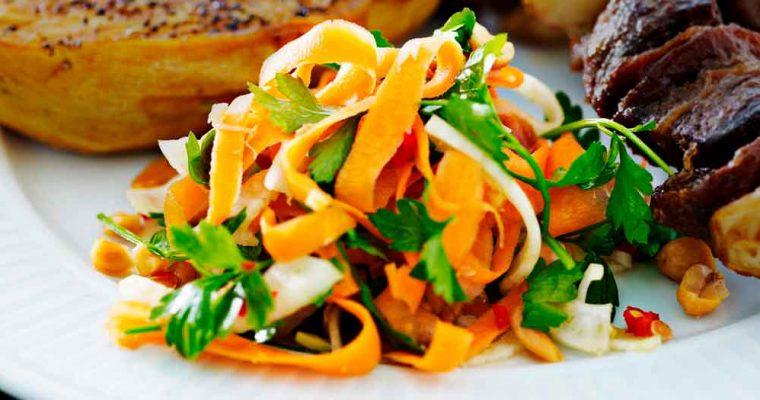 Salat med fennikel og gulerod