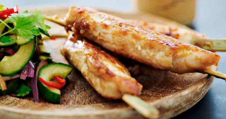 Satay-spyd med kylling og peanutsauce