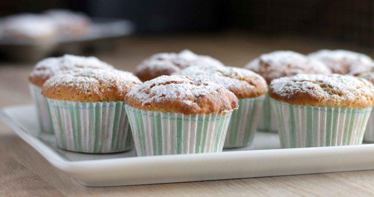 Pistacie-muffins med olivenolie og fuldkornsmel