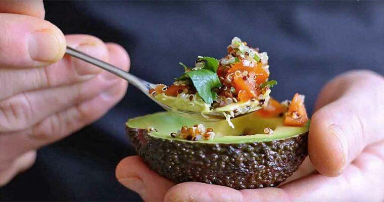 Avocado med quinoafyld