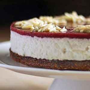 Glutenfri jul: Risalamande-cheesecake med marcipan og mandelbund