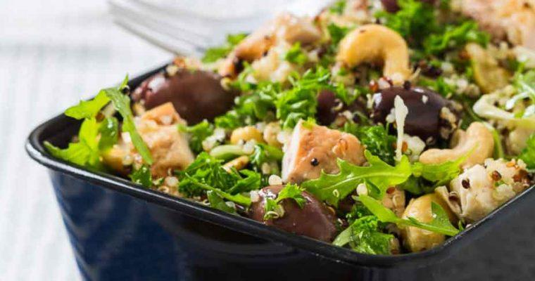 Grøn salat med quinoa, kylling og vanilje-vinaigrette