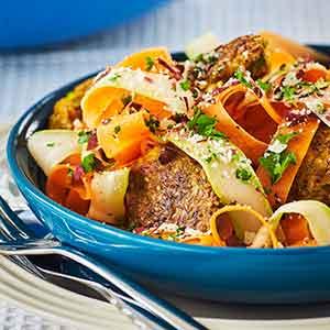 Prøv også: Skønne havre-falafler med syrlig råkost og parmesan-gremolata.
