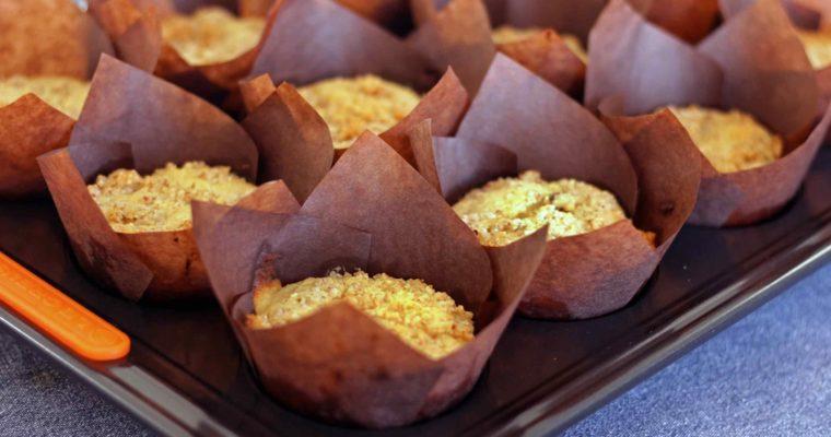 Glutenfri citronmuffins med marcipan og mandelcrumble