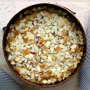 Prøv også: Glutenfri rabarberkage med marcipan, mandler og ingefær.
