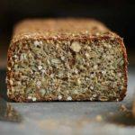 opskrift glutenfrit rugbrød hjemmebagt