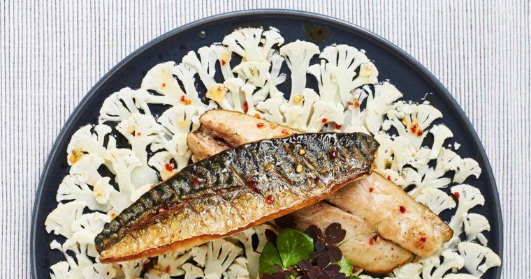 Skindstegt makrelfilet med hjemmelavet sød chilisauce