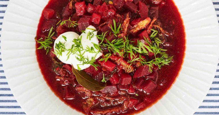 Rødbedesuppe med savoykål – borscht-suppe